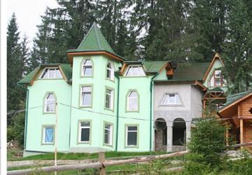 3.1 Яблуница Трехэтажный дом с камином, номера эконом, стандарт, люкс с кухней и отдельным входом