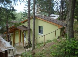 3.2 Яблуниця Двокімнатний будиночок у лісі на 4 людини відпочинок в Карпатах