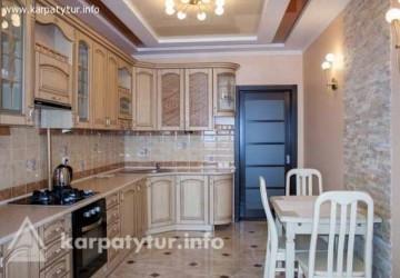 Королевские апартаменты, 3х-комнатная(700м.от бювета)
